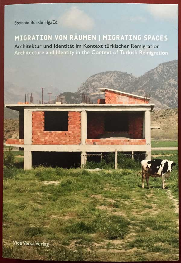 Migrating Spaces: Buch Cover